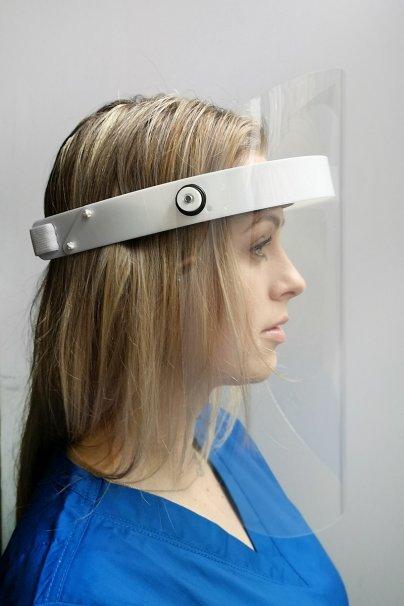 ochranne-stity Odklápěcí ochranný štít k opakovanému použití (bezbarvý transparentní štít tupet petg, tloušťka 1,5 mm)