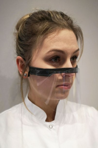 ochranne-stity Mini ochranná přilba vyrobená z 0,2 mm průhledného PET materiálu